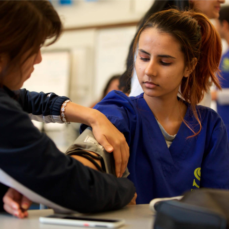 Sullivan-high-school-health-science-academy-students